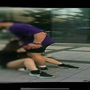 韓国でナンパを無視した日本人女性がボコボコにされる事件が発生→衝撃の映像がこちら・・・。