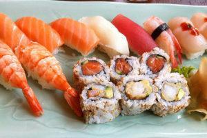 寿司屋「小松弥助」がこちら! 有吉くんの正直さんぽで伝説の寿司屋を紹介!