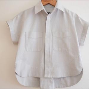 比翼仕立ての短めシャツ(Kalle Shirt)