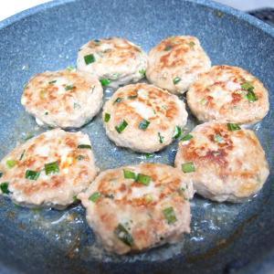 【冷凍保存可】お弁当用に作り置き、中華風豆腐ニラバーグ(ミニ)