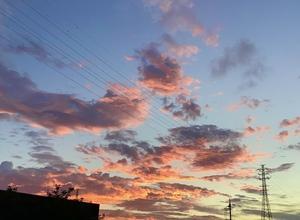 「秋の夕焼け」がキレイなのは〜