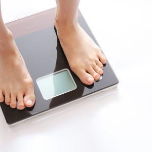 【悲報】糖質制限のダイエット、痩せない