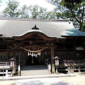ゆるす事で自分がゆるされる。神社にお参り、父の墓が完成しました。