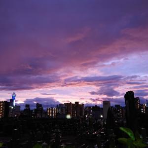 東に去る巨大台風19号 終端に現れた茜の空