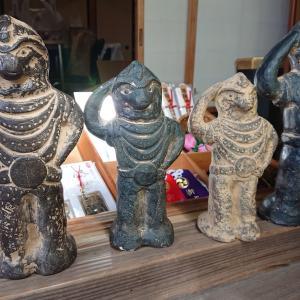 等彌神社(3)謎の神像は御神宝 二本足で人型の八咫烏(やたからす)