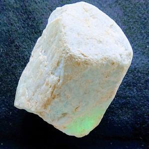 国石ヒスイ(翡翠)(1)石器づくりの「たたき石」から始まった歴史