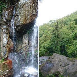 【長尾の滝(雄滝)】大岩に坐して聴き入る龍の聲【天龍院】