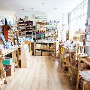 【クアラルンプール近郊】ユニークなショッピングモールJaya Oneジャヤワン 人気のラーメン店とネコがいる文房具店