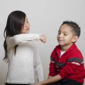 兄弟喧嘩がひどい!! こんな時親はどうすればいい?
