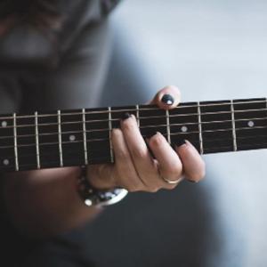 人の風景 emiko life   234話 ギターの音色に心惹かれる