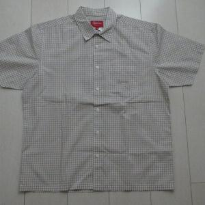 Supremeのシャツ