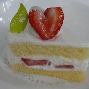 福岡市 オペラの「いちごのショートケーキ」、「濃厚チーズタルト」、「濱田シュー」
