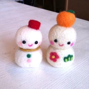 故郷を思い出す、雪だるま。羊毛フェルトの雪だるま-作品番号2の紹介です。
