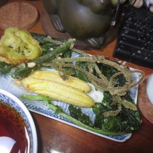 庭の恵みで天ぷら盛り合わせ♬
