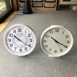 【無印】壁に穴を開けたくない!!時計用スタンドが便利♪
