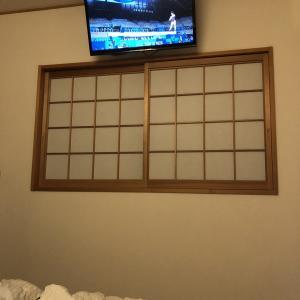 【寝室】壁掛けテレビを寝ながら見る〜