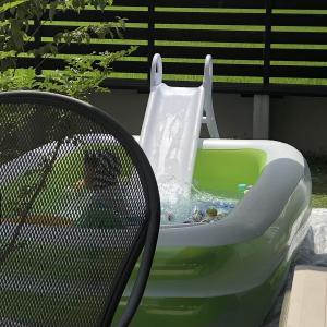 プールとタープを片付けて夏が終わる