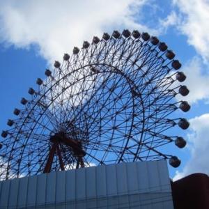 大阪駅前の観覧車
