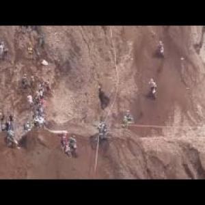 危険な降下は毎年死にます!スーパーバイク世界で最も危険なレース。