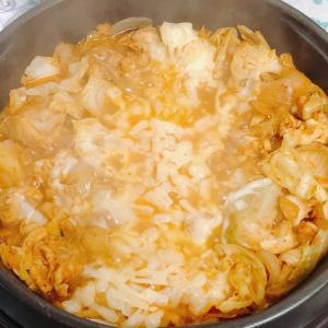 ホットプレートでチーズダッカルビはチーズとろけて幸せの味 キムチの効能