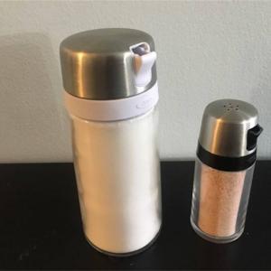 【レビュー】OXOのSugar DispenserとSalt Shakerが便利だったよ!