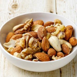 湿気たナッツを復活させる超簡単な方法発見!保存方や大量消費レシピも!