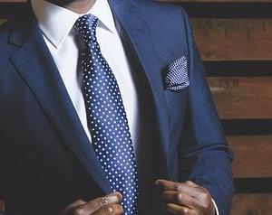 ネクタイがカビ臭い!自分で洗濯できる?クリ-ニングじゃないとダメ?
