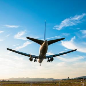 飛行機に酔いにくい場所はどこ?座席や揺れやすい時期もチェックしておこう