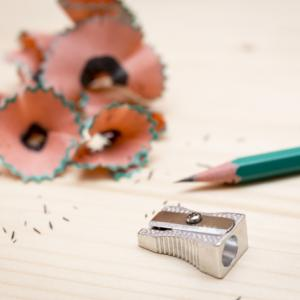 体から臭う鉛筆の芯の様な臭いの正体はワキガ?原因を探して対策を!