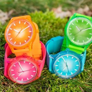 アイスウォッチのソーラー腕時計⁈鮮やかな色で夏を楽しみたい!