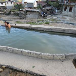 マイニット村の公衆温泉(フィリピン・ルソン島)