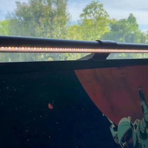 【BenQ スクリーンバーレビュー】スタイリッシュに明るい環境を作り出してくれるデスクライト【PR】