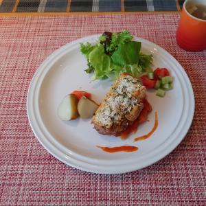 鶏モモ肉のパン粉焼き トマトソース
