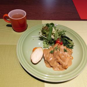 鶏モモ肉のカレークリーム煮