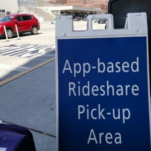 Uberタクシーの運転手がアフガニスタン人だった