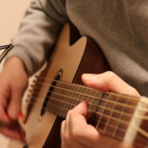 ギター ストロークの弾き方を覚えよう。ストロークの基本をわかりやすく解説
