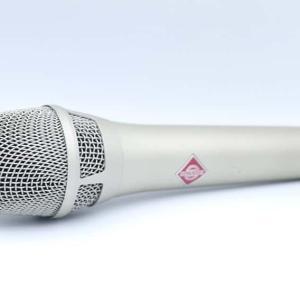 NEUMANN KMS104 PLUSをレビュー。女性ボーカル向けのライブ用コンデンサーマイク