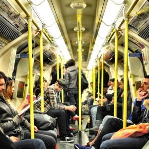 満員電車のストレスによる5つの悪影響!【1分でも解消すべき】