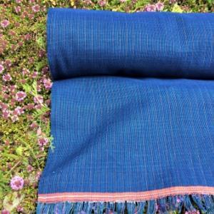 藍染木綿の反物織りあがりました。
