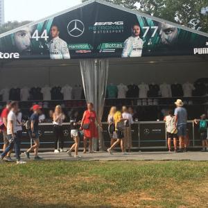 F1シンガポールGP観戦|zone4 グッズショップ コンサート