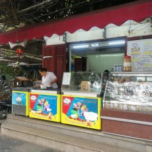 ハノイ ホアンキエム湖周辺 地元人おすすめ Thủy Tạアイスが安くておいしい