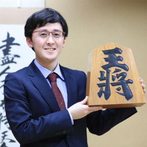 藤井2冠を最後に泣かせた男、伊藤匠(17歳?)新たな最年少棋士に! 小3の将棋大会で藤井君に勝利していた