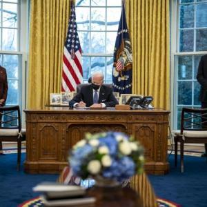 バイデン大統領、トランプ前政権のトランスジェンダー米軍入隊禁止措置を撤回 ・・・米軍の弱体化か?それとも強化に?