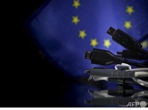スマホ充電器「USBタイプC」に統一 欧州委で法案に ・・・アップルは抵抗
