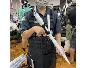 「傘をライフル持ちできるグリップ」がテンション上がる!  これ海外で持ってるとヤバそう・・・