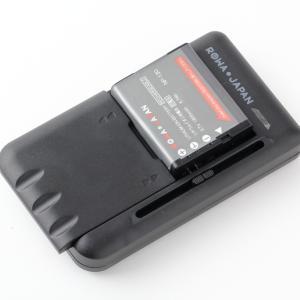 ROWAJAPANのNP-130A互換バッテリーを購入したので、純正品と比べてみました。