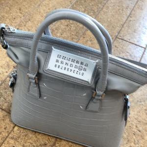 メゾンマルジェラ5ACスモールバッグの機能美