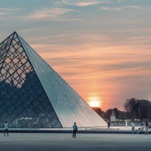 パリの希望の光たち