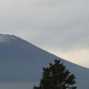 富士山  初冠雪?