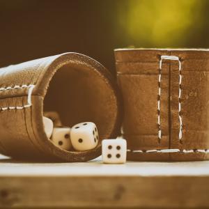 投資とギャンブルの違いは?お金の基礎知識「投機と投資」を理解しよう!